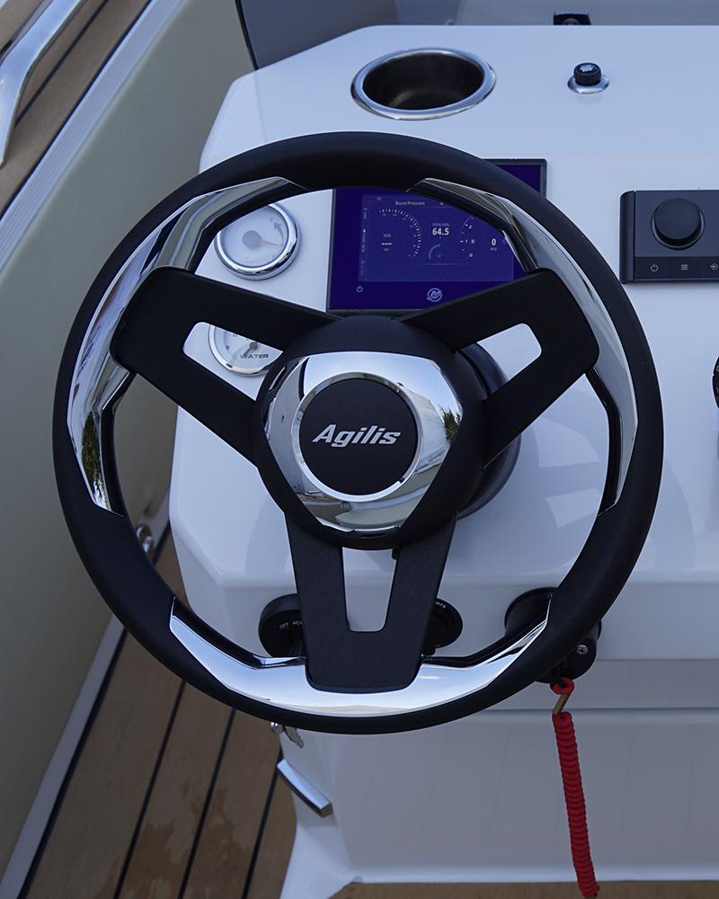 agilis-560-steering-wheel.jpg